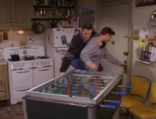 Friends 03x19 : The One With The Tiny T-Shirt- Seriesaddict